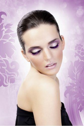 Асимметричные фиолетовые ресницы Deluxe